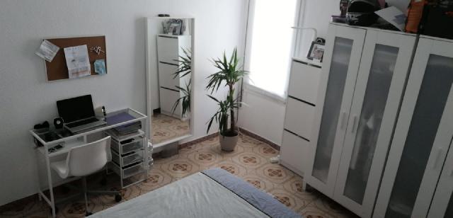 Imagen 1 Inmueble 230678 - Piso en venta en Barcelona / Entre carrer Riera Alta i carrer del Carme