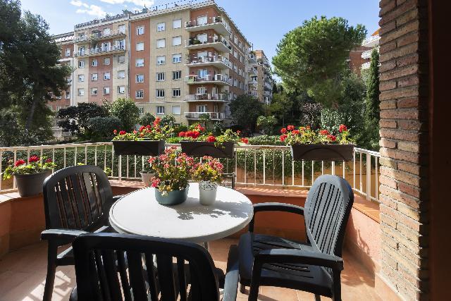 Imagen 1 Inmueble 234063 - Piso en venta en Barcelona / Junto General Mitre a 5 minutos de los ferrocariles