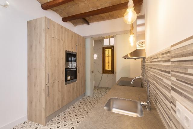 Imagen 1 Inmueble 238270 - Piso en venta en Barcelona / El Molino-Pararelo
