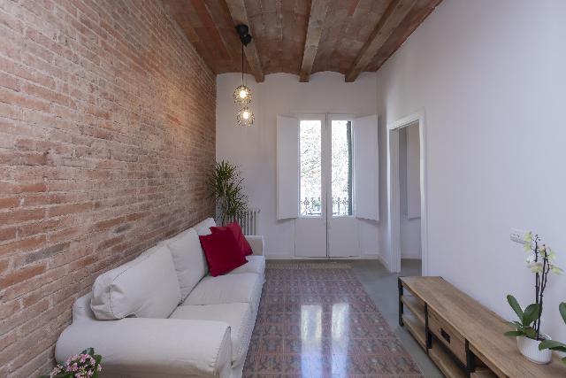 Imagen 1 Inmueble 238300 - Piso en venta en Barcelona / A 5 minutos de Gran vía Corts Catalanes