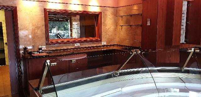 Imagen 1 Inmueble 239486 - Local Comercial en venta en Barcelona / Travessera de les Corts