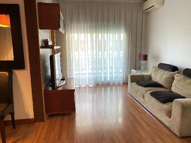 Imagen 1 Inmueble 243244 - Piso en alquiler en Barcelona / Junto Gran Vía  Carlos III a dos minutos de la Diagonal