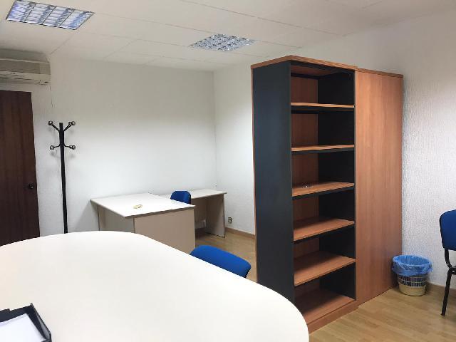 Imagen 1 Inmueble 244064 - Oficina Comercial en alquiler en Barcelona / Junto a C. Aragón