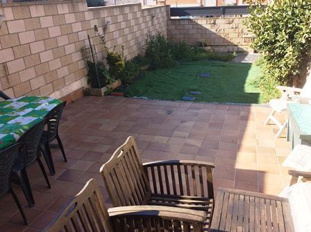 Imagen 1 Casa en venta en Canovelles / Zona Belulla-Canovelles-adosada-jardín-160m²