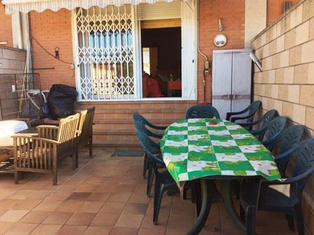 Imagen 3 Casa en venta en Canovelles / Zona Belulla-Canovelles-adosada-jardín-160m²