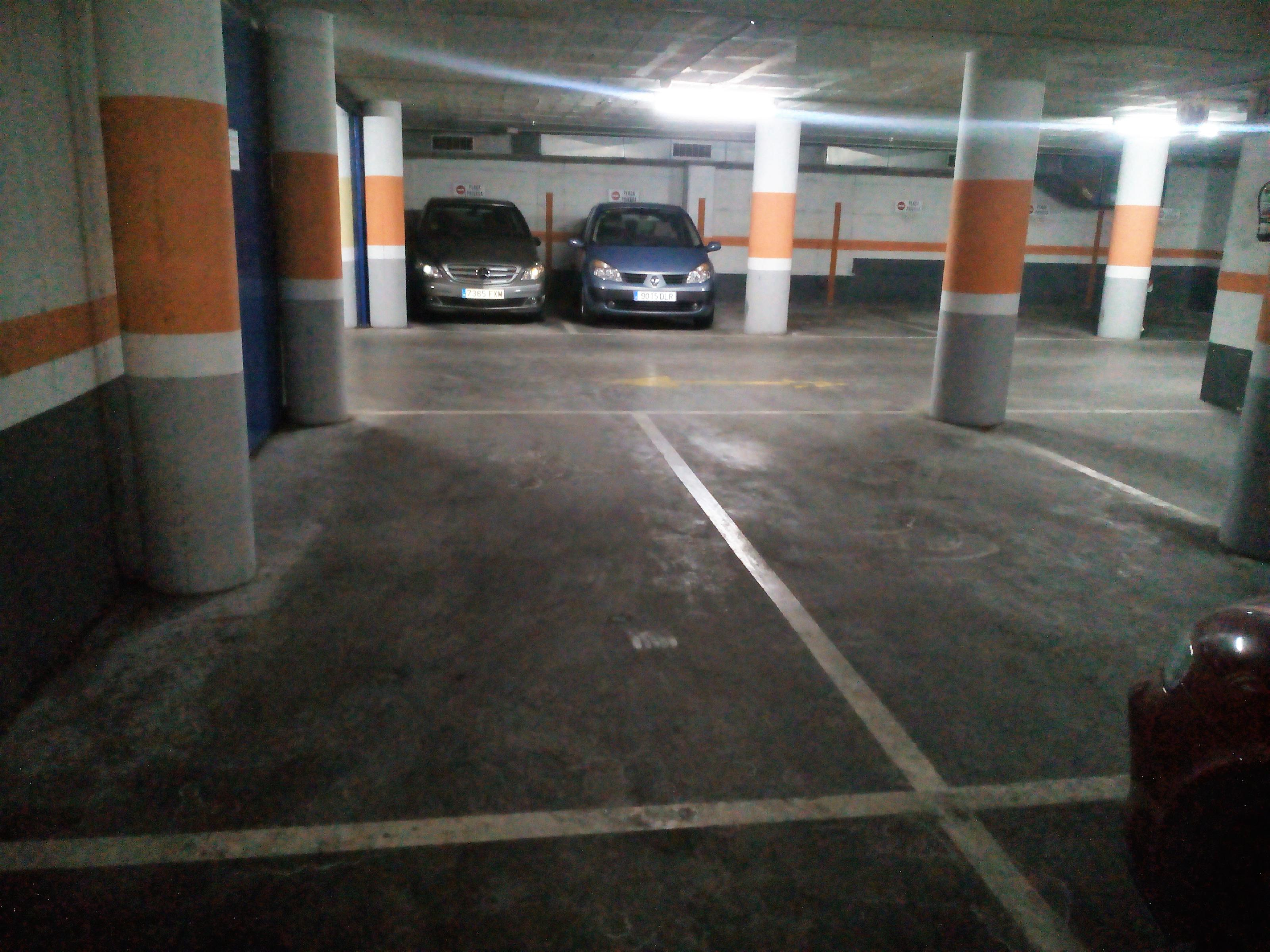 Imagen 1 Parking Coche en venta en Granollers / Parking-zona ponent-vigilado-inversión