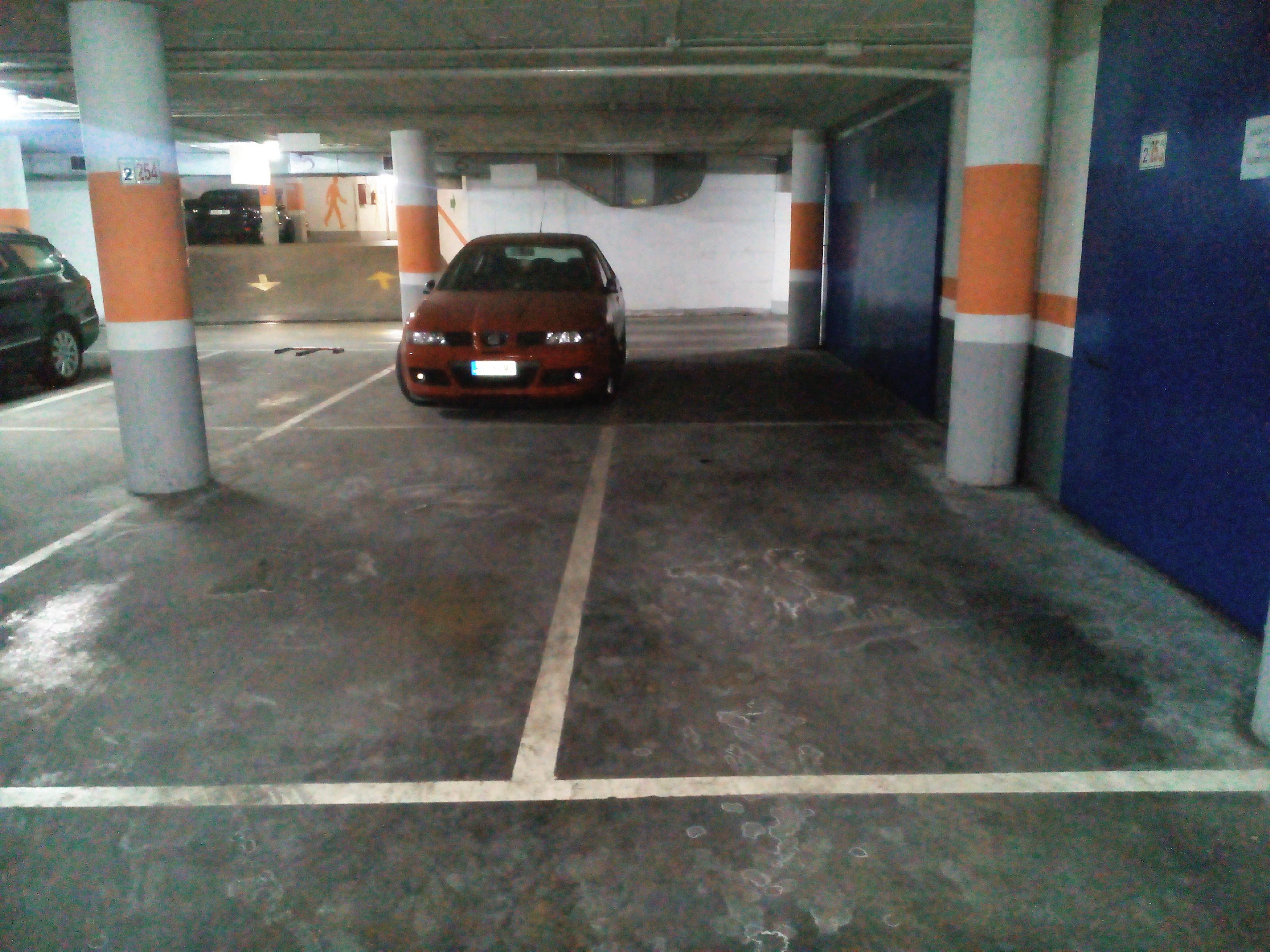 Imagen 3 Parking Coche en venta en Granollers / Parking-zona ponent-vigilado-inversión