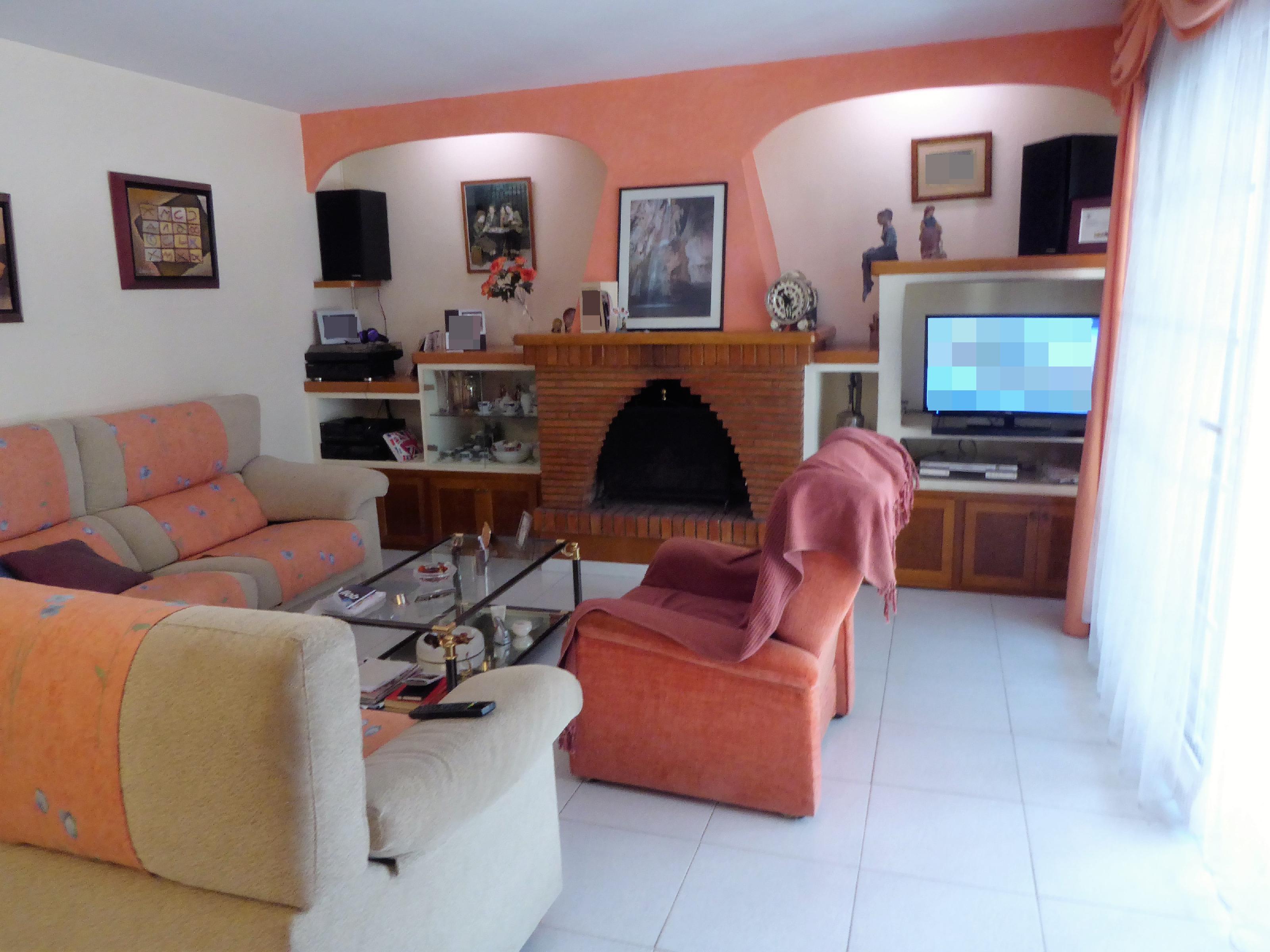 Imagen 4 Casa Adosada en venta en Lliçà D´amunt / Lliçà d´Amunt-Centro-casa esquinera 250 m²