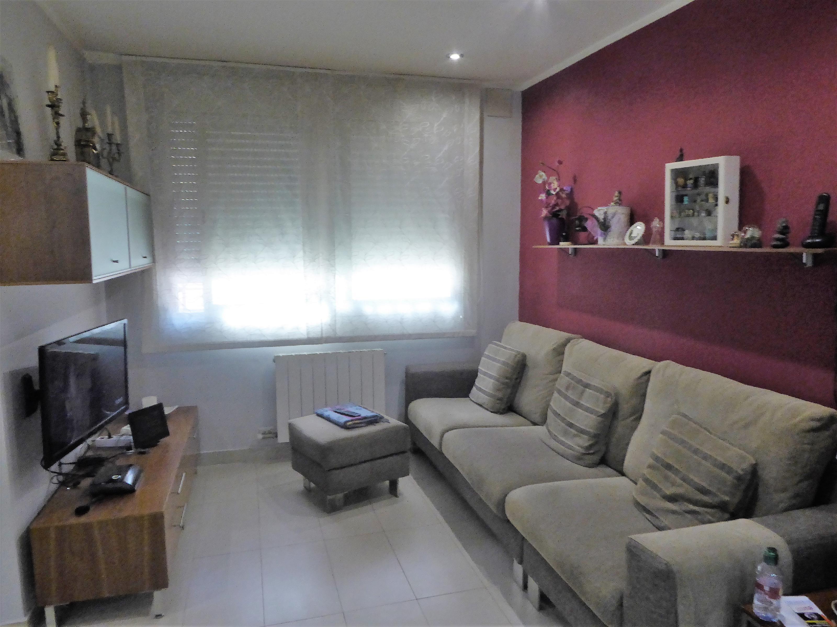 Imagen 2 Piso en venta en Canovelles / Canovelles-Plaza Juventud-Seminuevo-Amueblado