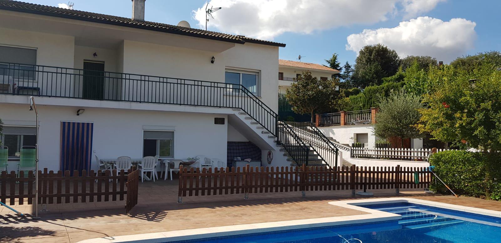 Imagen 3 Casa en venta en Bigues I Riells / Urbanización Font del Bou