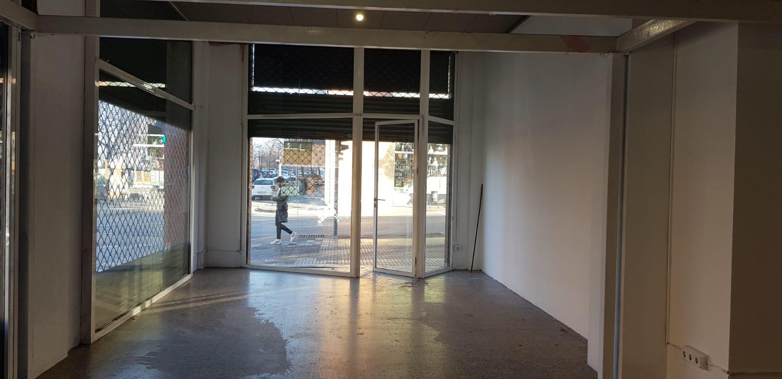Imagen 3 Local Comercial en alquiler en Granollers / Cerca de colegios y zonas comerciales