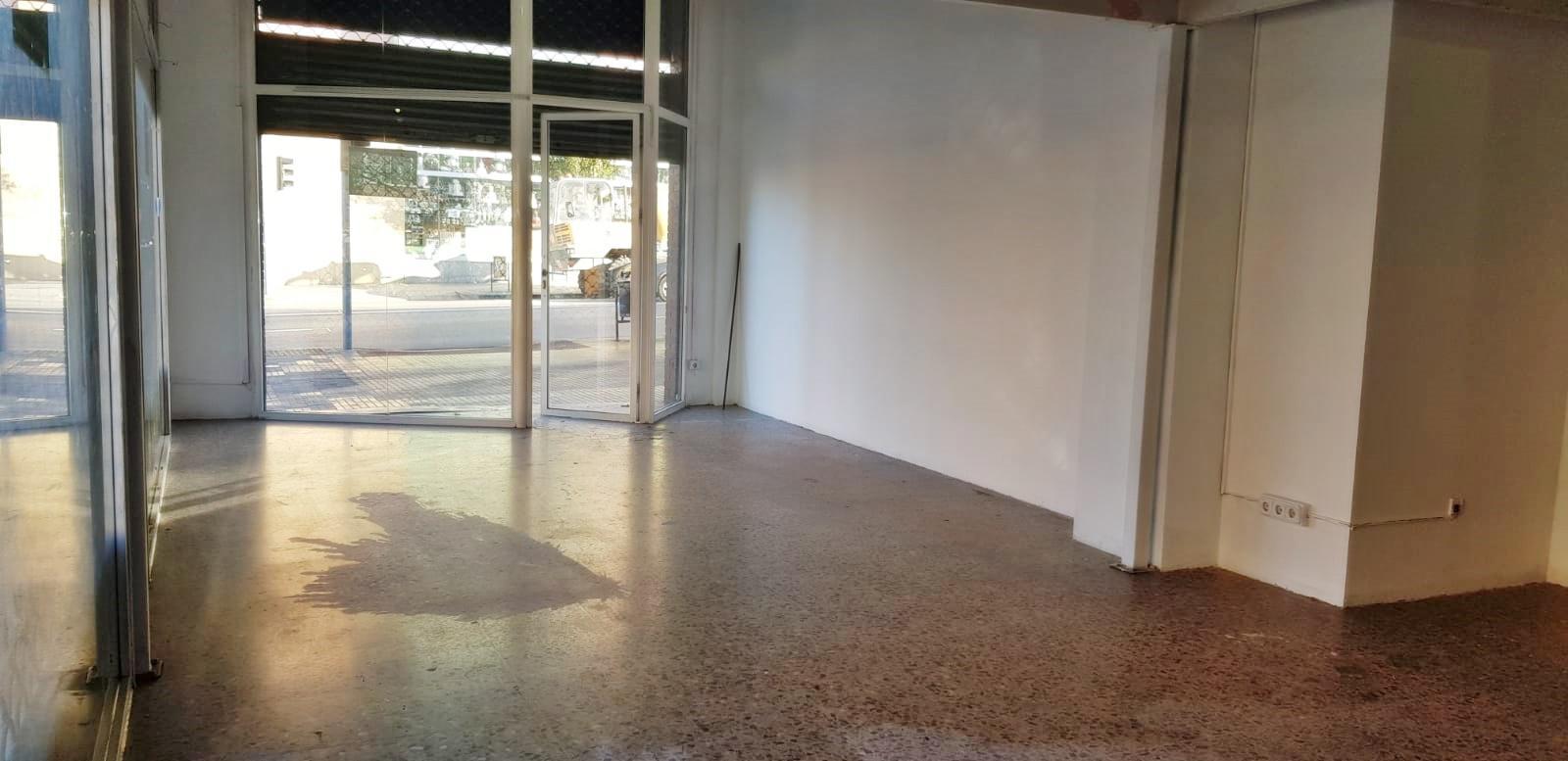 Imagen 4 Local Comercial en alquiler en Granollers / Cerca de colegios y zonas comerciales