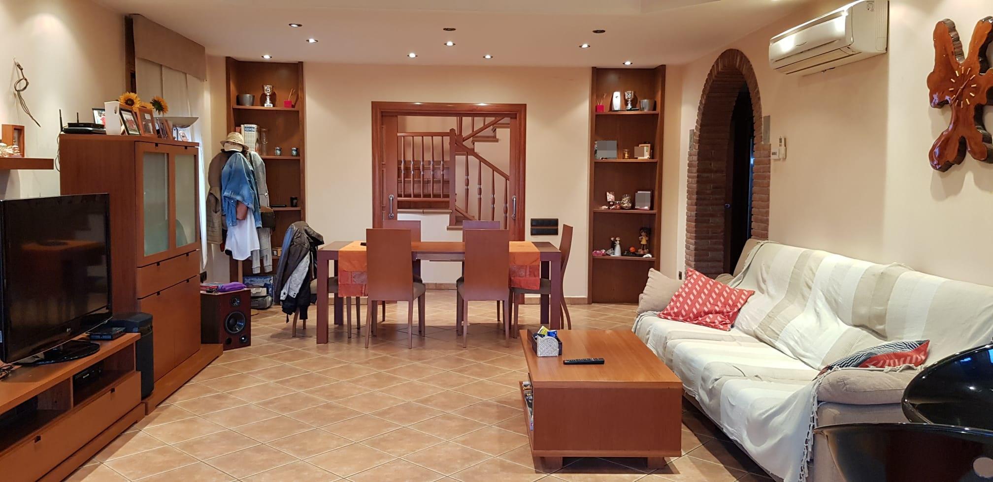 Imagen 1 Casa Aislada en venta en Lliçà D´amunt / Can Xicota-lliça d´Amunt - Seminueva