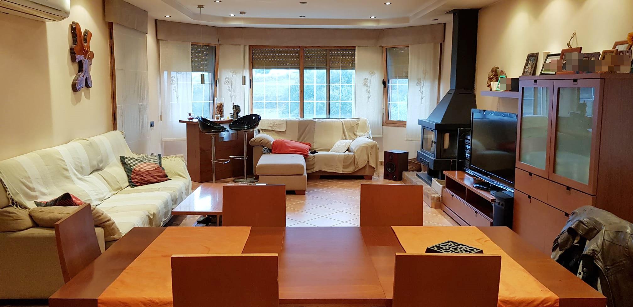 Imagen 2 Casa Aislada en venta en Lliçà D´amunt / Can Xicota-lliça d´Amunt - Seminueva