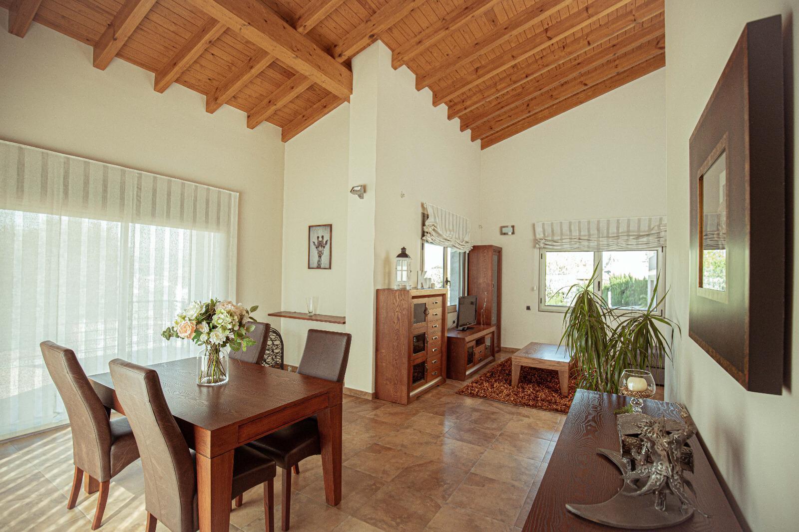 Imagen 1 Casa en venta en Santa Eulàlia De Ronçana / Santa Eulalia de Ronçana- Urb can Marques-408 m2