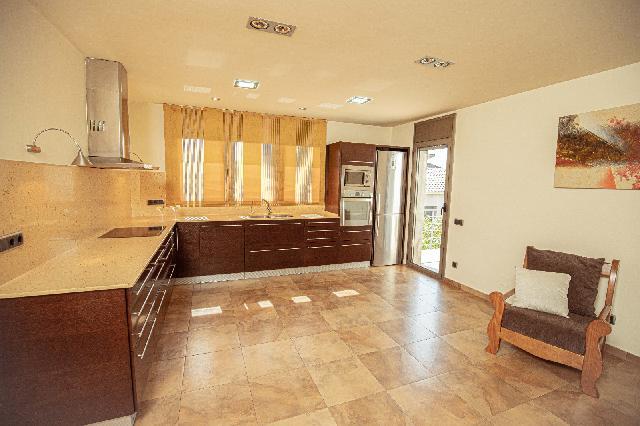 Imagen 1 Inmueble 237231 - Casa Aislada en venta en Santa Eulàlia De Ronçana / Santa Eulalia de Ronçana- Urb can Marq...