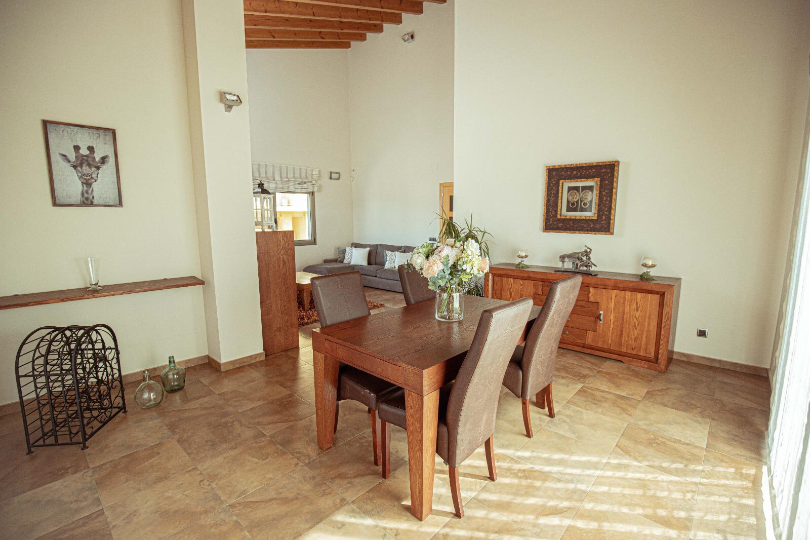 Imagen 3 Casa en venta en Santa Eulàlia De Ronçana / Santa Eulalia de Ronçana- Urb can Marques-408 m2