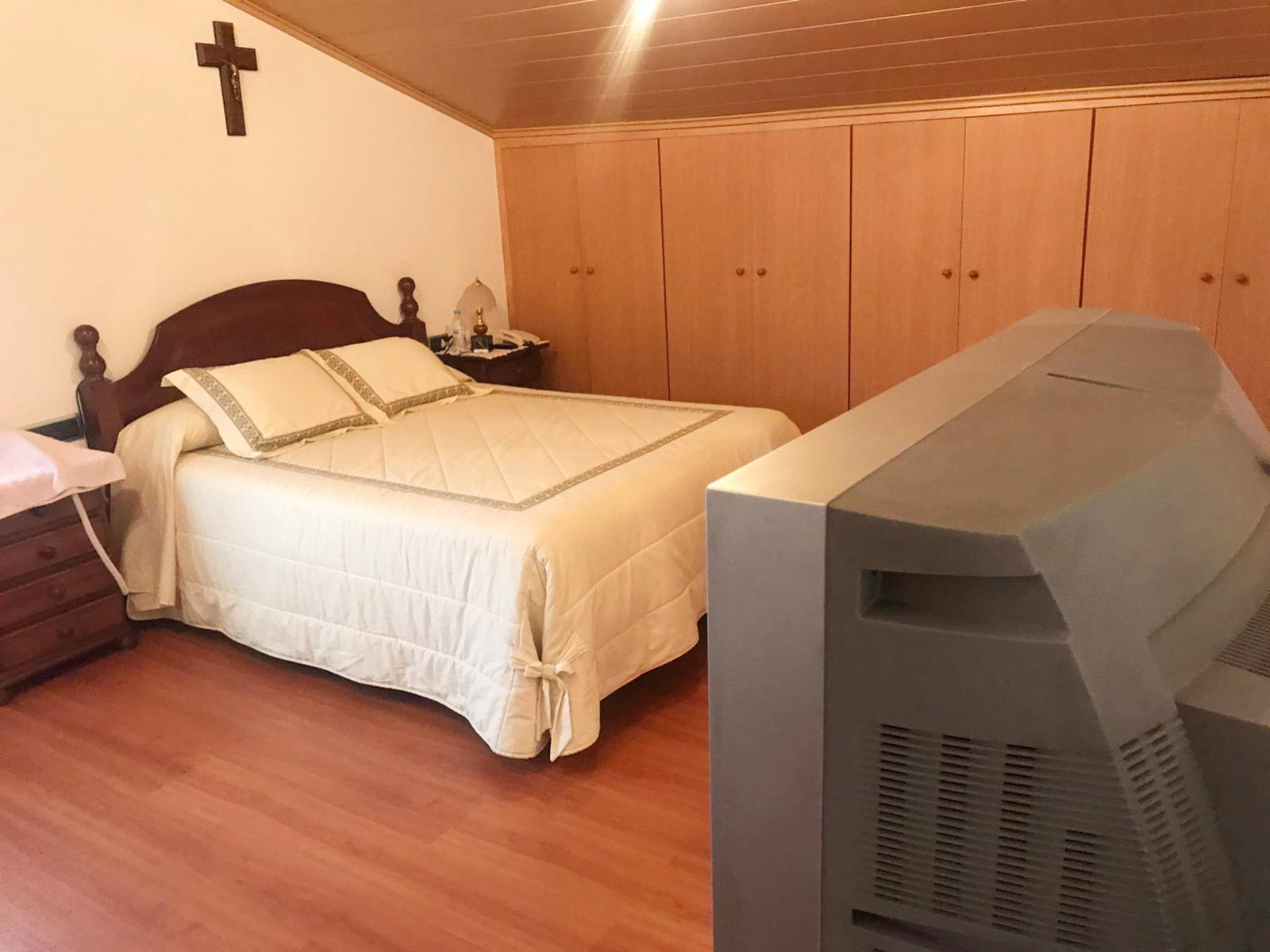 Imagen 2 Casa Aislada en venta en Lliçà D´amunt / Ca l,artigues-Lliça De munt-Seminueva 353 m2