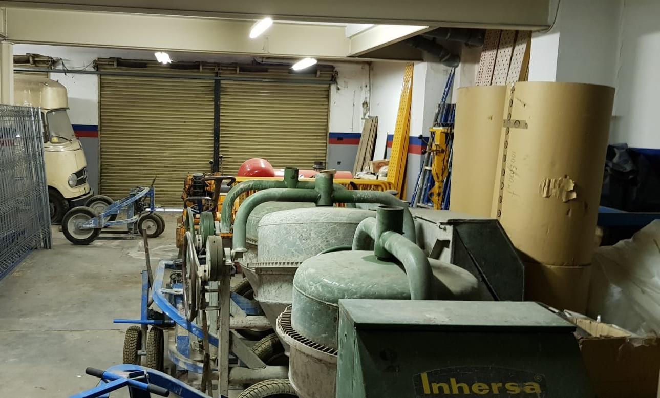 Imagen 2 Local Comercial en venta en Granollers / Zona Lledoner, cerca de otros comercios y zonas verdes