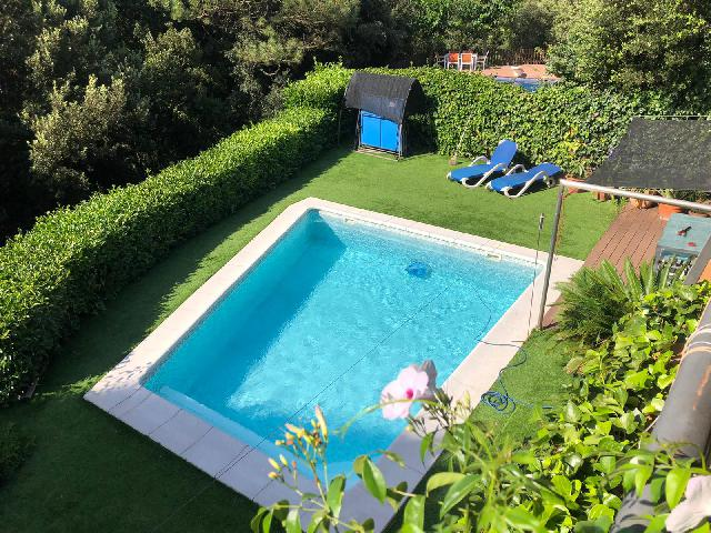 Imagen 1 Inmueble 240609 - Casa Aislada en venta en Ametlla Del Vallès (L´) / Casa Aislada- Proxima al centro-Piscina...