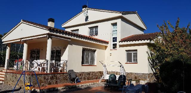 Imagen 1 Inmueble 240761 - Casa Aislada en venta en Bigues I Riells / Bigues i Riells - Bonita casa con piscina 5hab-...