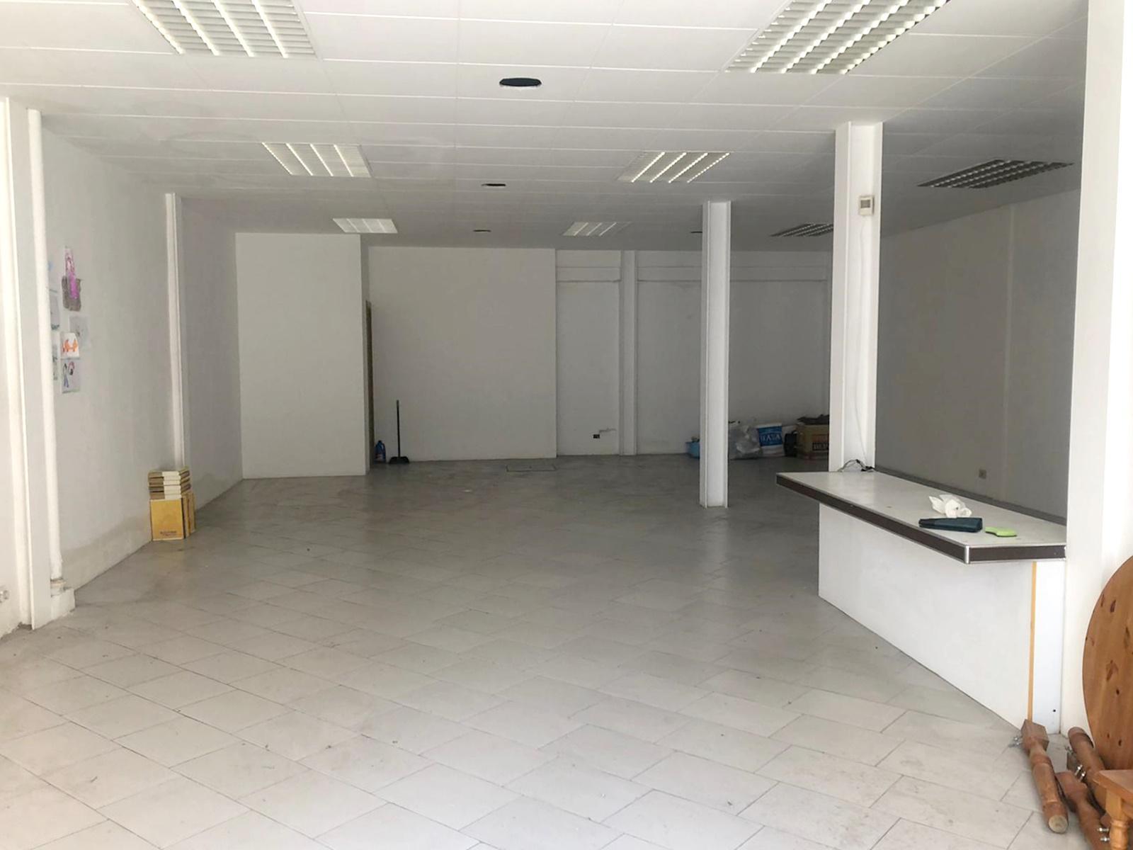 Imagen 1 Local Comercial en alquiler en Granollers / Cerca de la oficina del inem