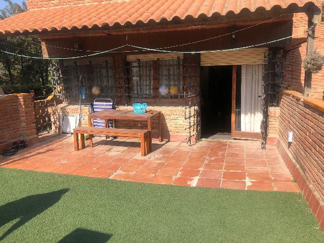 Imagen 1 Inmueble 247980 - Casa Aislada en venta en Montornès Del Vallès / Montornes del Valles- 2 viviendas-2 parcelas