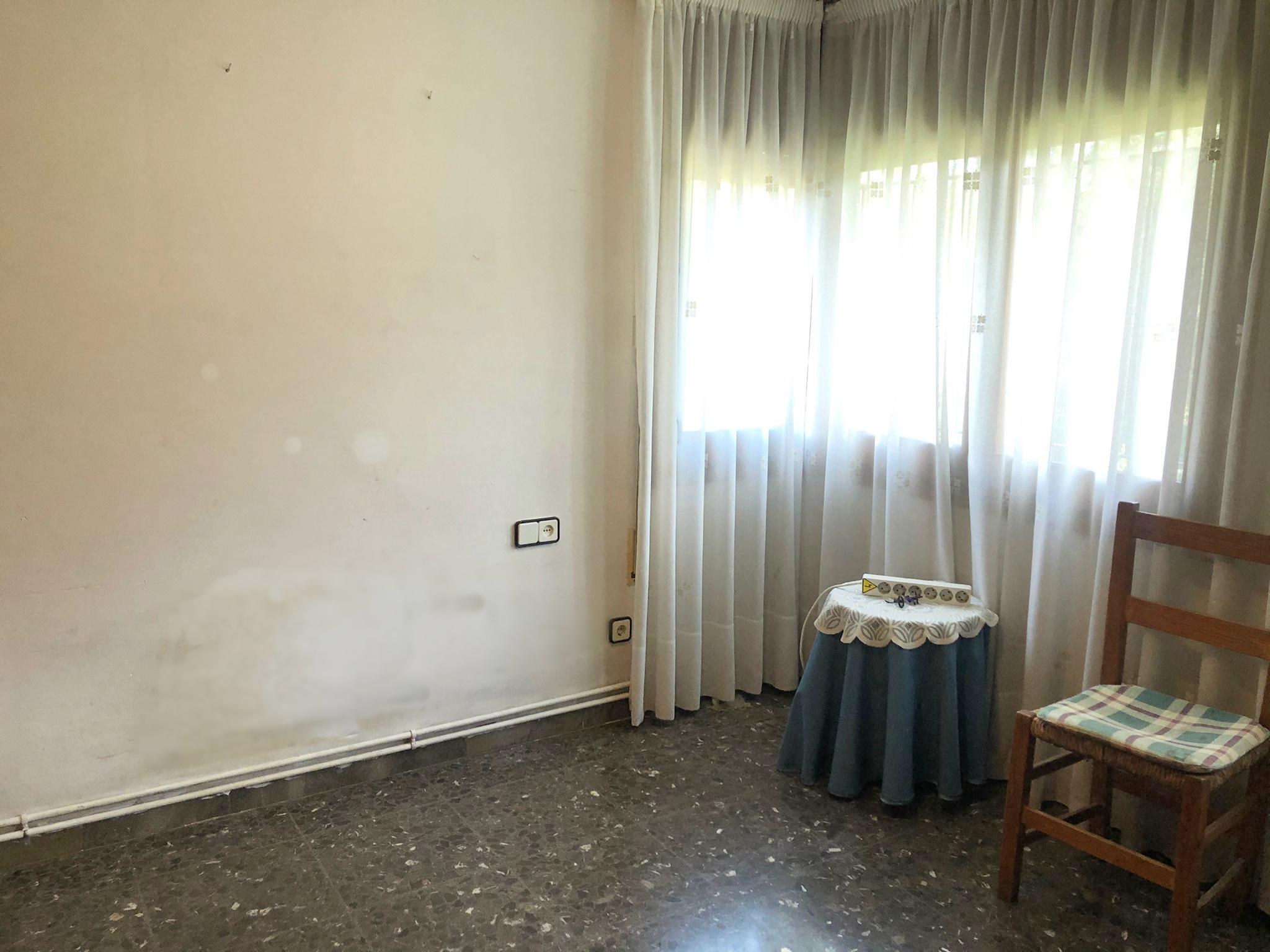 Imagen 4 Casa Aislada en venta en Montornès Del Vallès / Montornes del Valles- 2 viviendas-2 parcelas