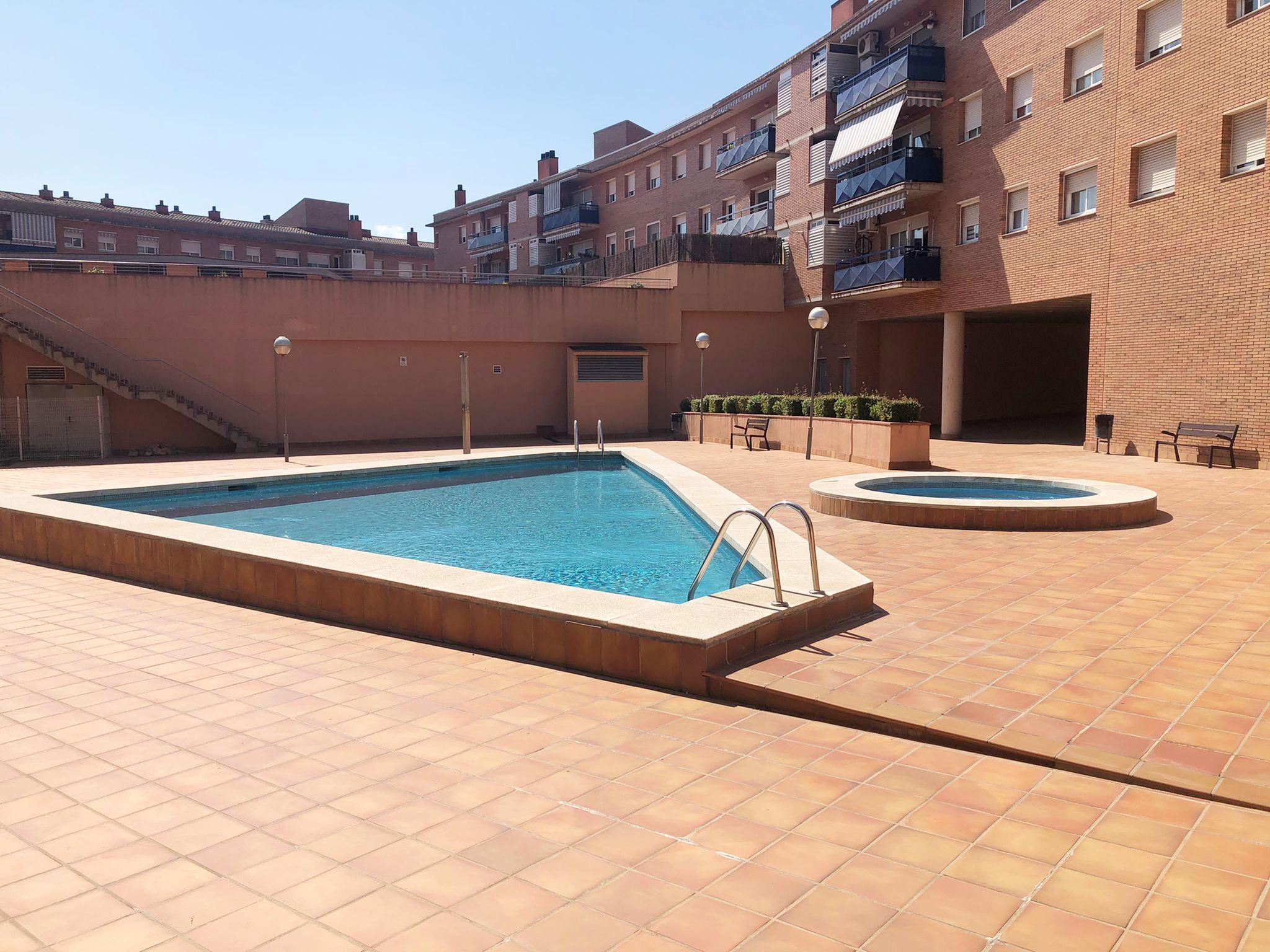 Imagen 2 Piso en venta en Canovelles / Zona Nueva-Can Palots-Oportunidad-Inmejorable