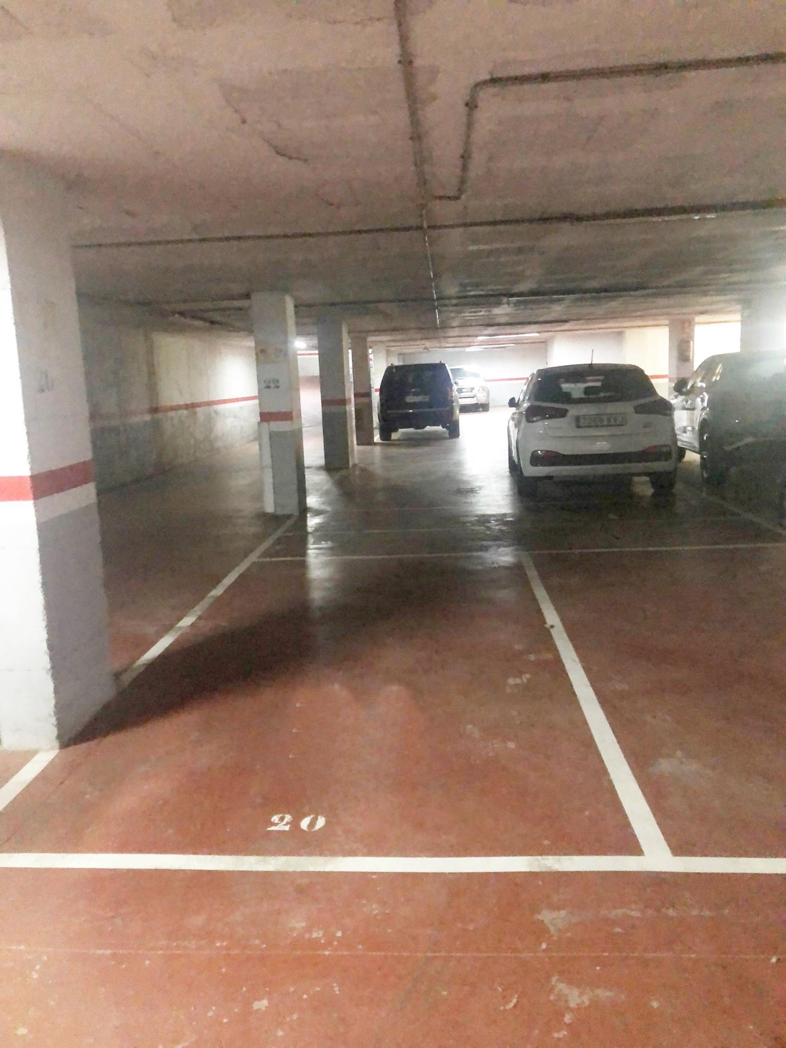 Imagen 2 Parking Coche en venta en Granollers / Calle Equador- Zona Font Verda.- Granollers