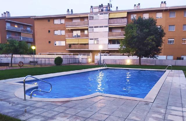 Imagen 1 Inmueble 251984 - Piso en venta en Canovelles / Paseo de la ribera-Zona comunitaria-107 m2 seminuevo