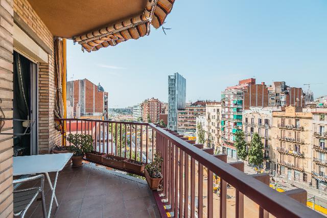 Imagen 1 Inmueble 188437 - Piso en venta en Barcelona / Séquia Comtal - Avenida Meridiana