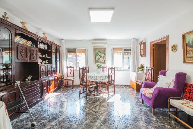 Imagen 1 Inmueble 243848 - Piso en venta en Barcelona / Mina de la ciutat con Jaume Pinent