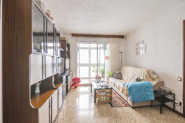 Imagen 1 Inmueble 246070 - Piso en venta en Barcelona / Calle Sant Adria cerca metro Bon Pastor
