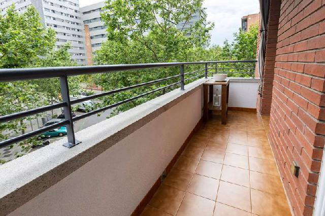 Imagen 1 Inmueble 248459 - Piso en venta en Barcelona / Bac de roda con Pujades