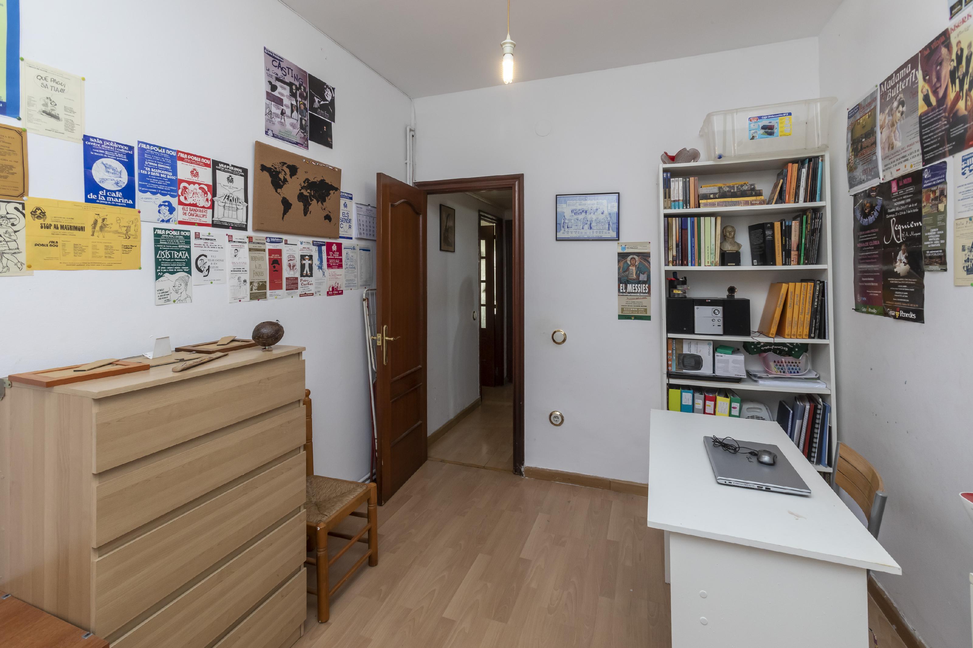 Imagen 2 Piso en venta en Barcelona / Bac de Roda - Pujades