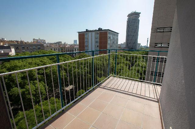 Imagen 1 Inmueble 228515 - Piso en venta en Barcelona / A 2 minutos de Colón