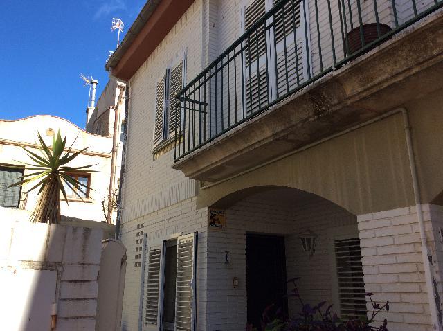 Imagen 1 Inmueble 233558 - Casa Adosada en venta en Tiana / Junto Ajuntament centro pueblo