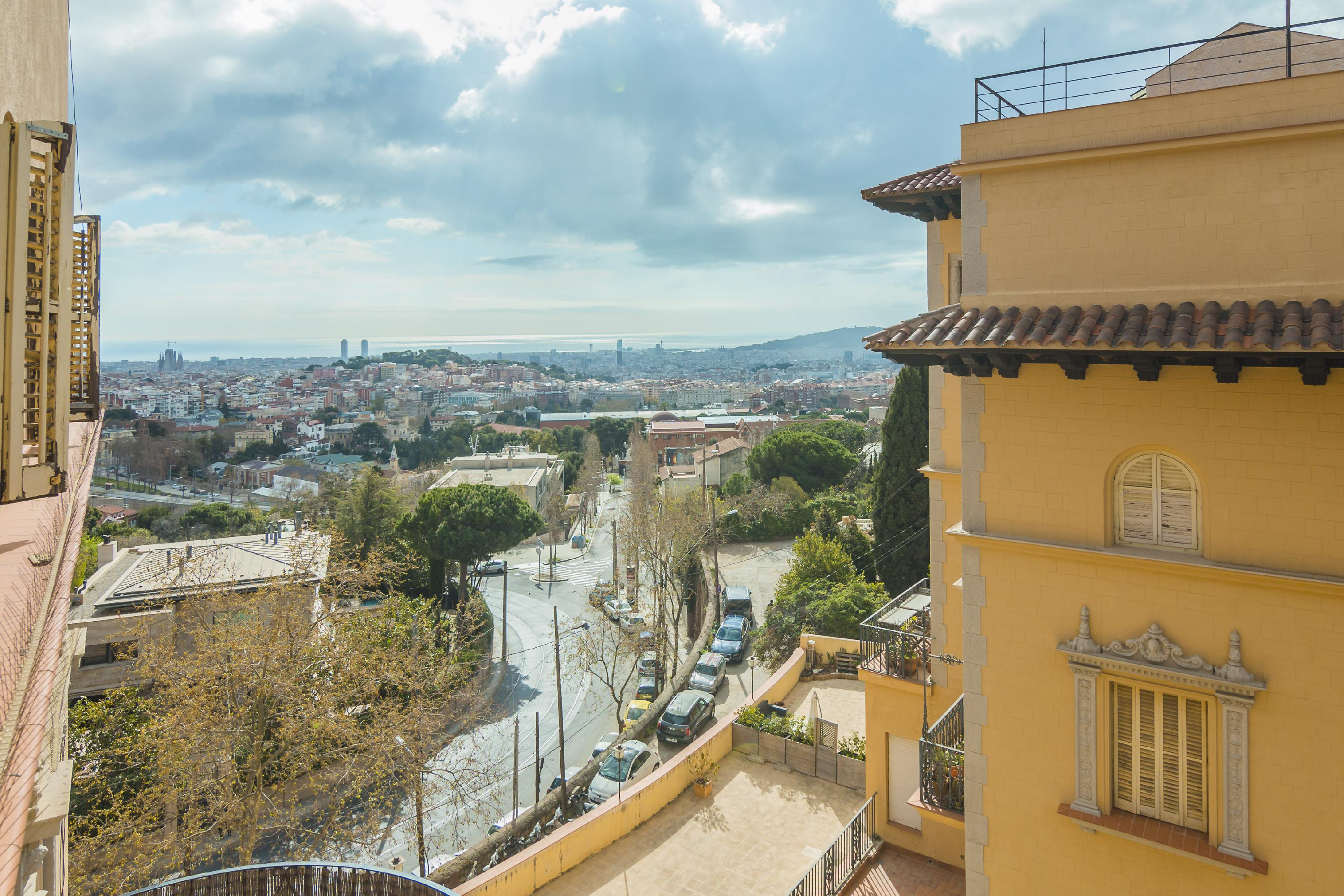 Imagen 3 Piso en venta en Barcelona / Junto el Mirablau