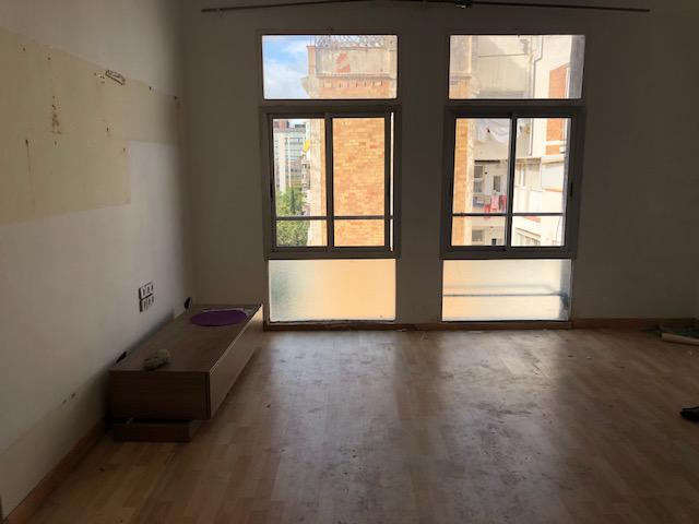 Imagen 2 Piso en venta en Barcelona / Junto Maria Cristina