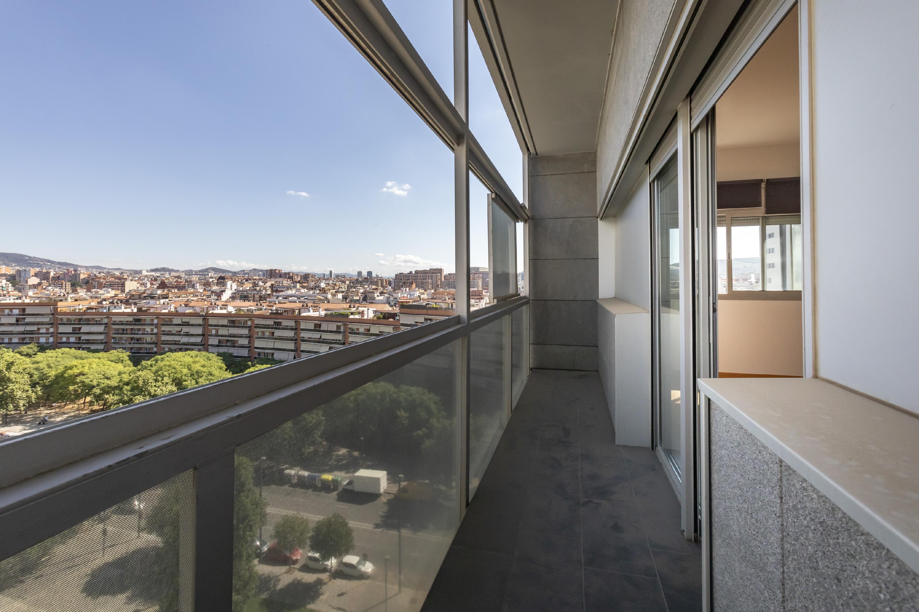 Imagen 1 Piso en venta en Hospitalet De Llobregat L´ / Junto Plaça Europa