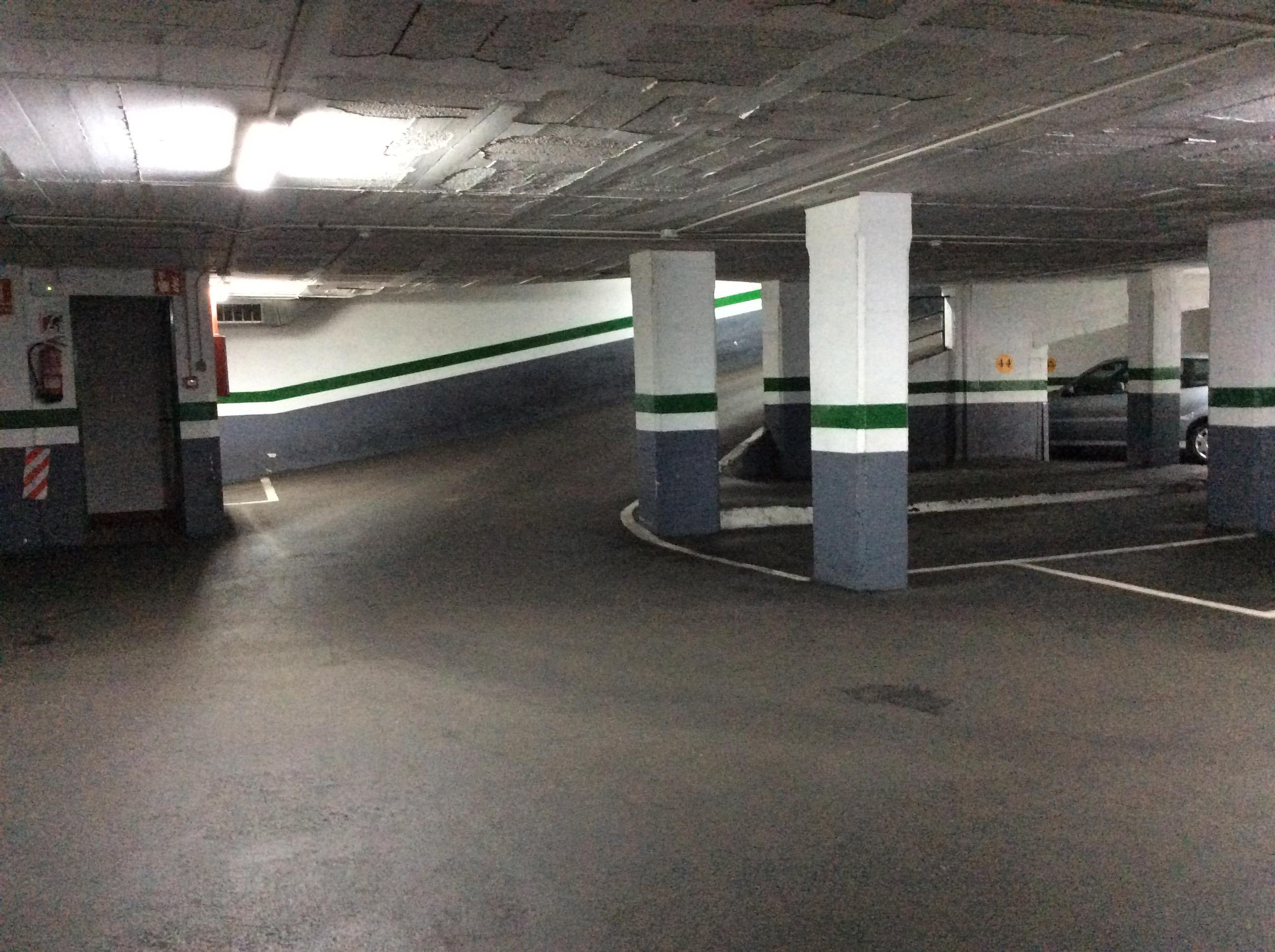 Imagen 4 Parking Coche en venta en Barcelona / Junto República Argentina gasolinera