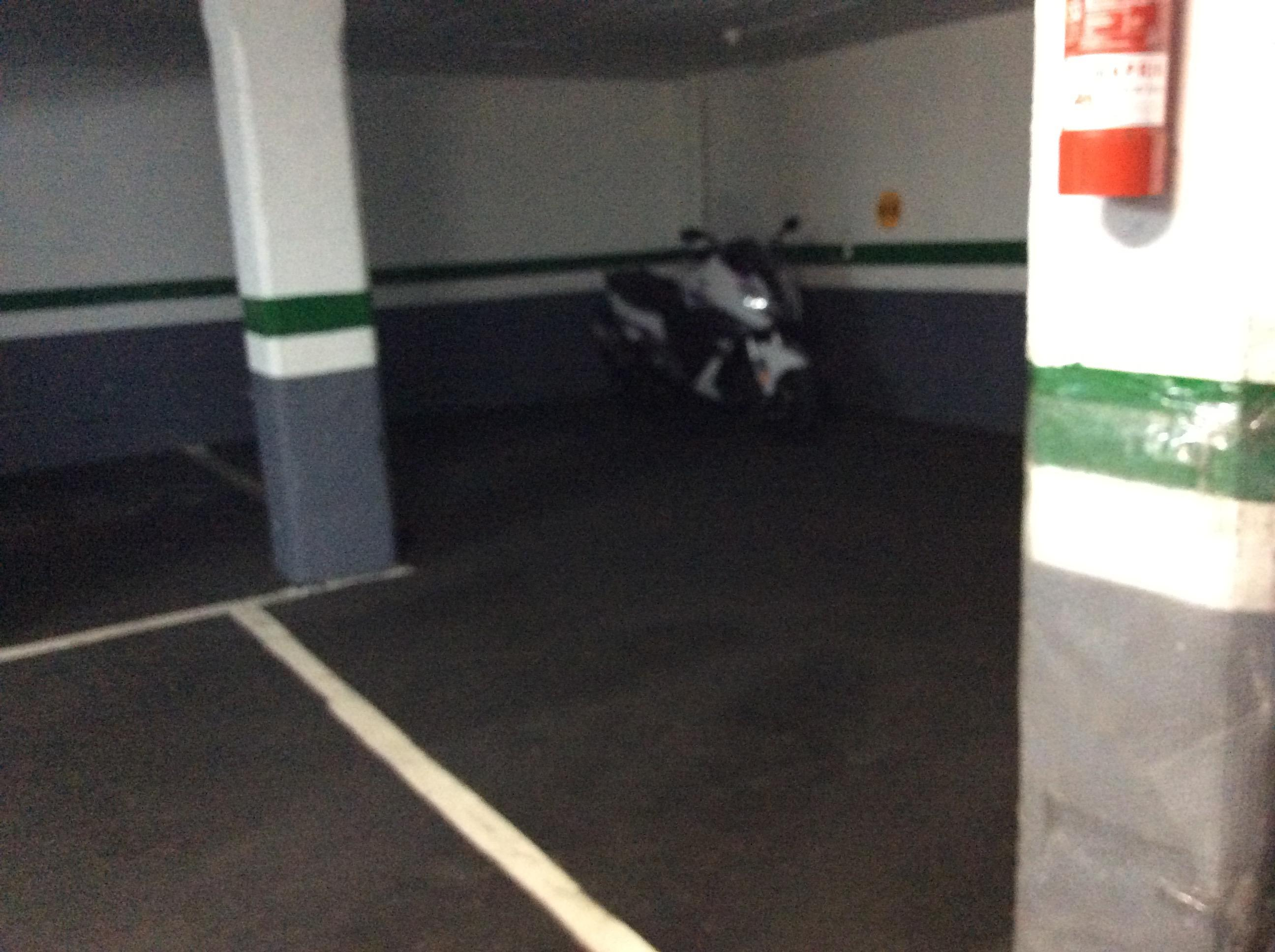Imagen 3 Parking Coche en venta en Barcelona / Junto República Argentina gasolinera