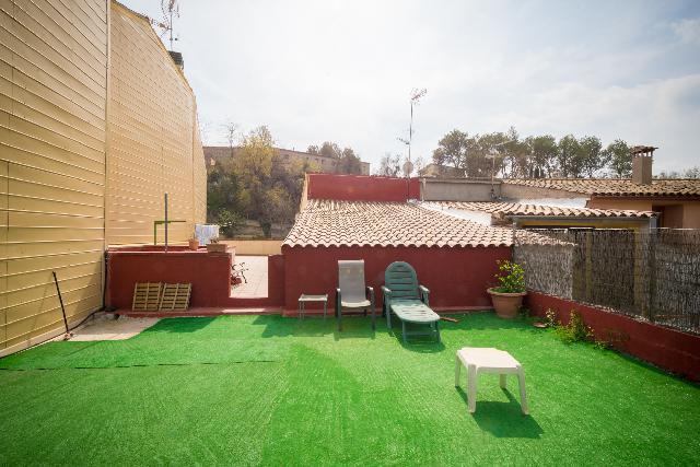 Imagen 1 Inmueble 144796 - Casa Adosada en venta en Piera / Junto Castell de Piera