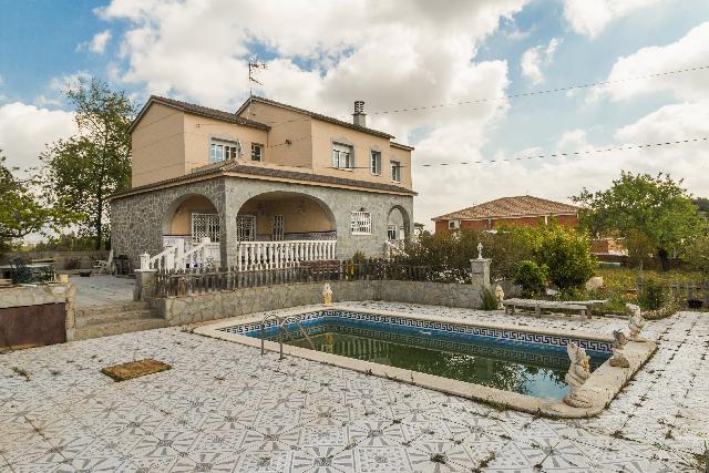 Imagen 1 Inmueble 201566 - Casa Aislada en venta en Piera / Urbanización Can Mas