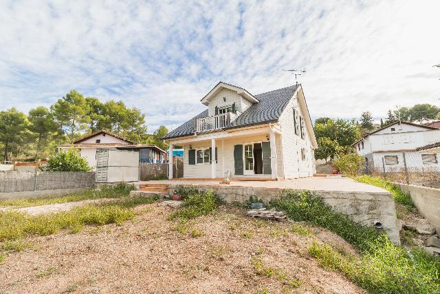 Imagen 1 Inmueble 206878 - Casa Aislada en venta en Piera / Urbanización Can Canals
