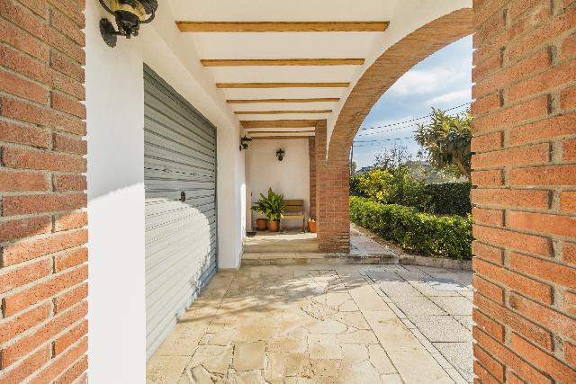 Imagen 1 Inmueble 207458 - Casa Aislada en venta en Piera / Urbanización Can Canals