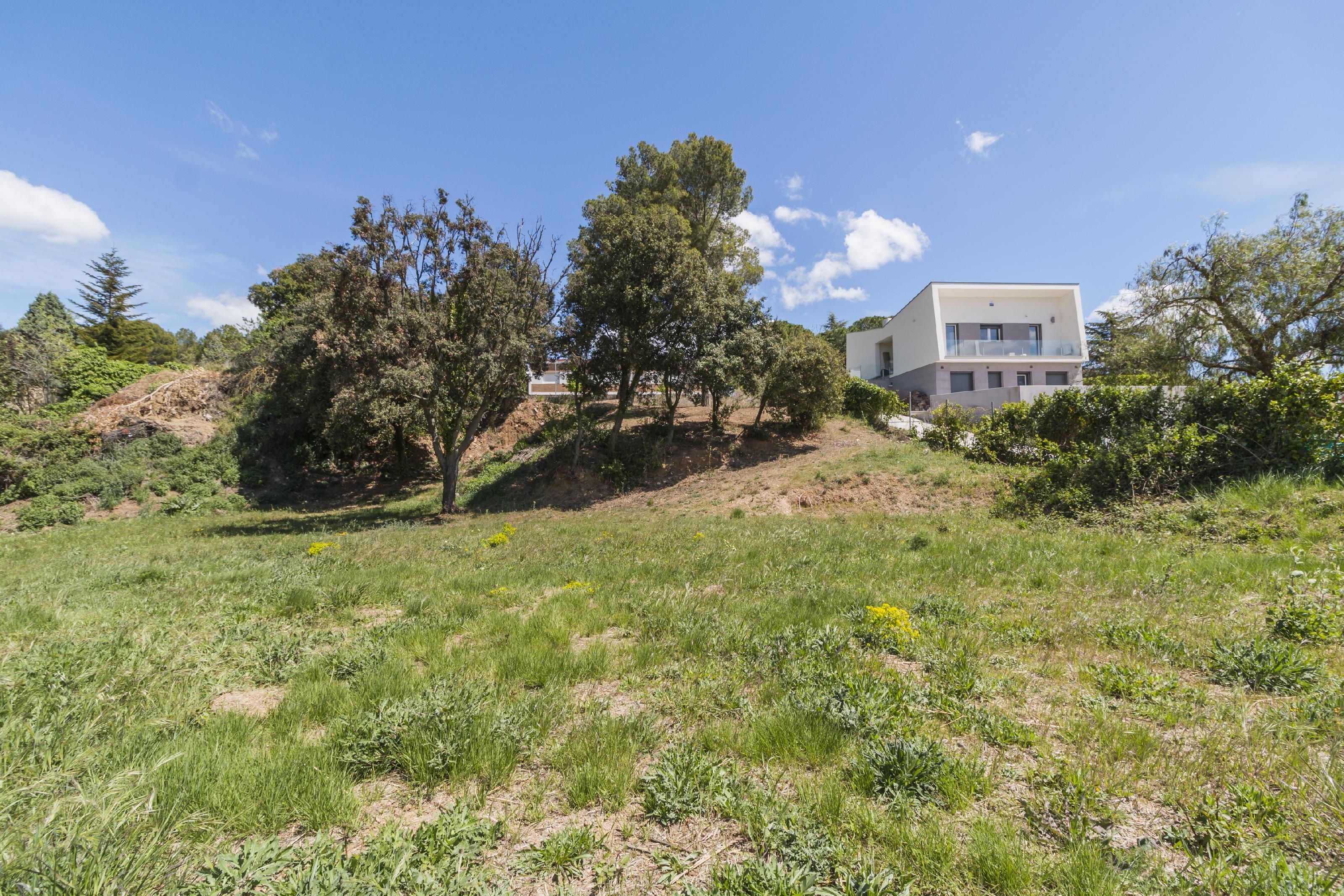 Imagen 4 Solar Urbano en venta en Hostalets De Pierola (Els) / Hostalets de Pierola, junto colegios.