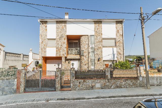 Imagen 1 Inmueble 217212 - Casa Aislada en venta en Piera / Piera zona C.A.P. y colegios