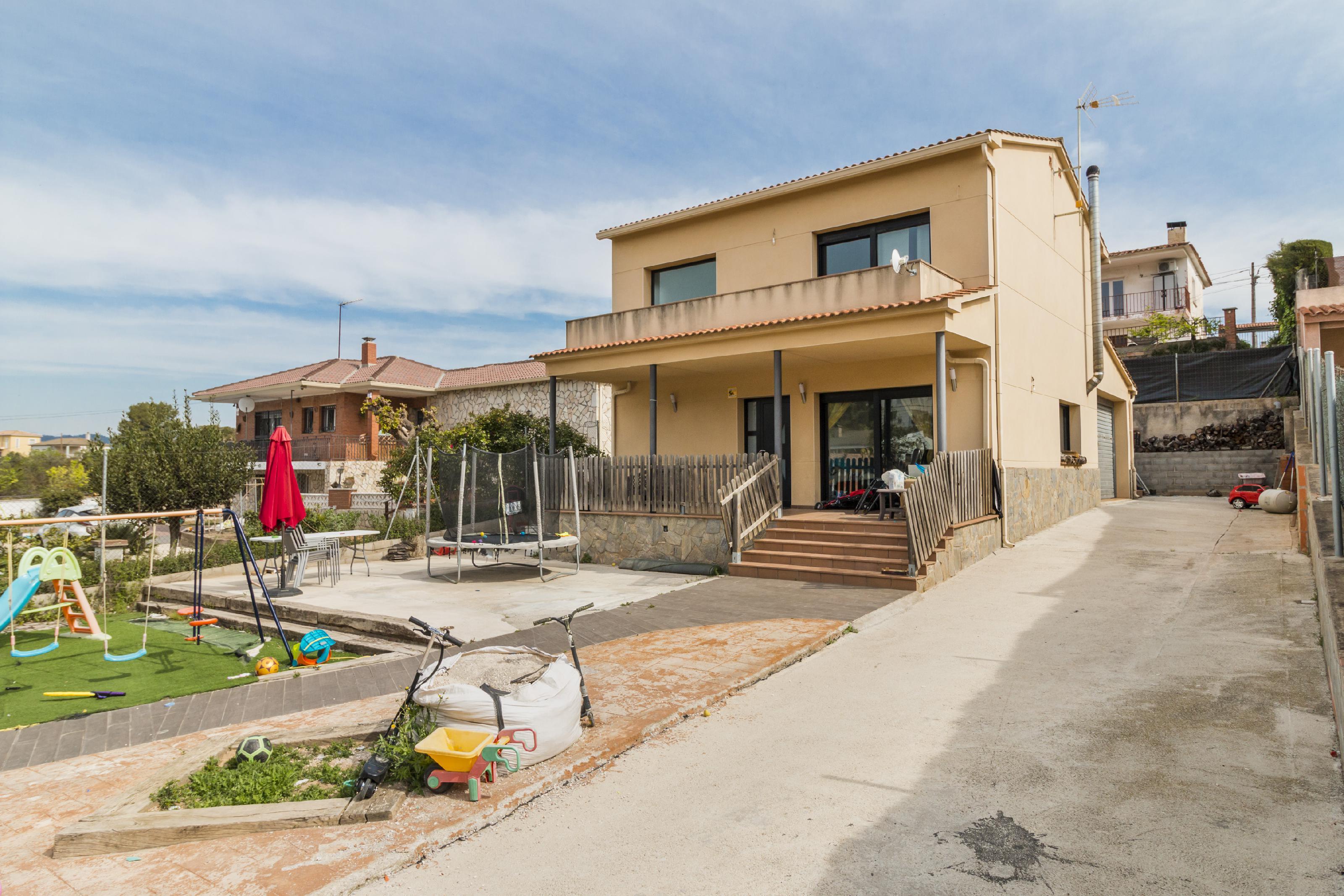 Imagen 2 Casa Aislada en venta en Piera / Urbanización  Can Claramunt
